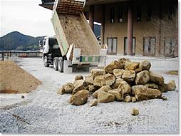生駒石 配送風景